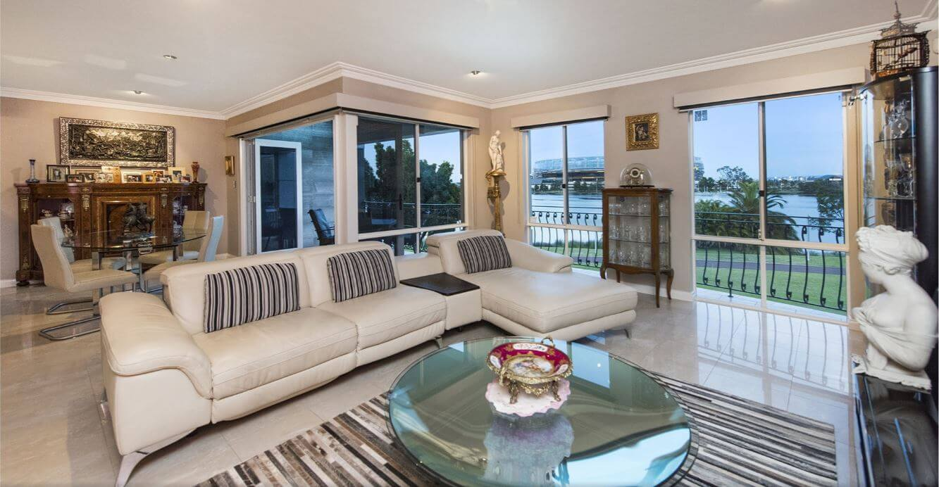 Luxury house for sale near Swan River